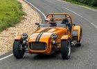 Nový Caterham Seven 170 váží jen 440 kg, pod kapotou má tříválec Suzuki
