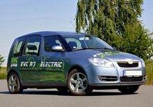 Elektromobily EVC na pařížském autosalonu