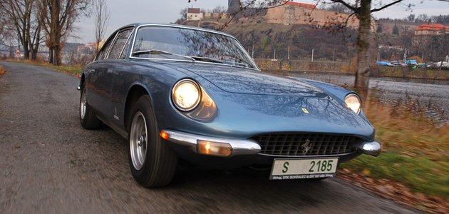 Ferrari 365 GT Pininfarina (1969): Po Praze na úrovni
