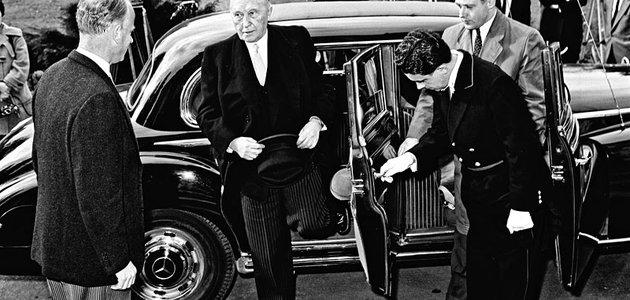 """Mercedes-Benz 300d """"Adenauer"""" (W189, 1958): Elitní klub"""