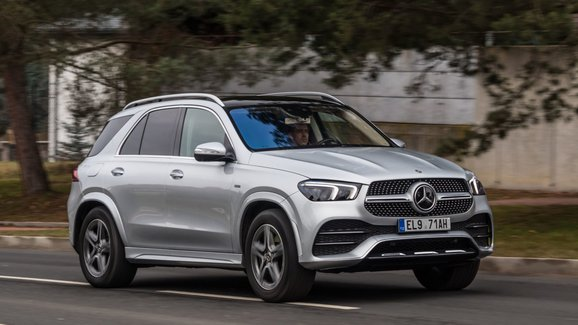 Video: Jak rychlé je rychlonabíjení plug-in hybridního Mercedesu?