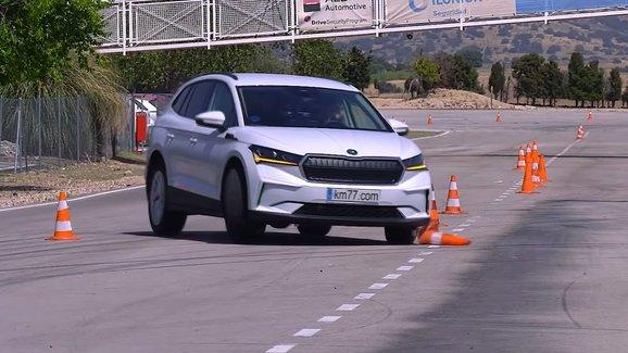Škoda Enyaq iV dopadla v losím testu hůř než sesterský VW ID.4