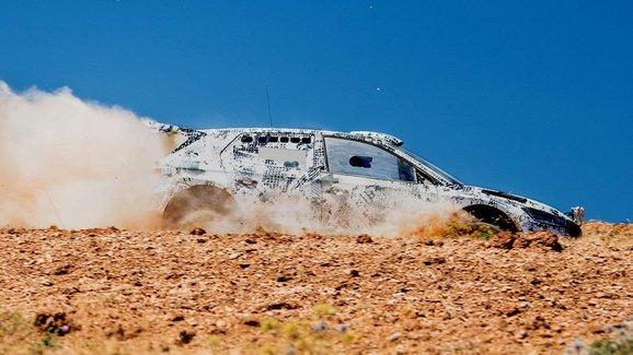 Škoda už zkouší prototyp nové Fabie v závodní verzi Rally2