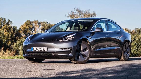 Druhým nejprodávanějším autem Evropy je elektrovůz. Tesla Model 3 předstihla Clio, Corsu i Octavii