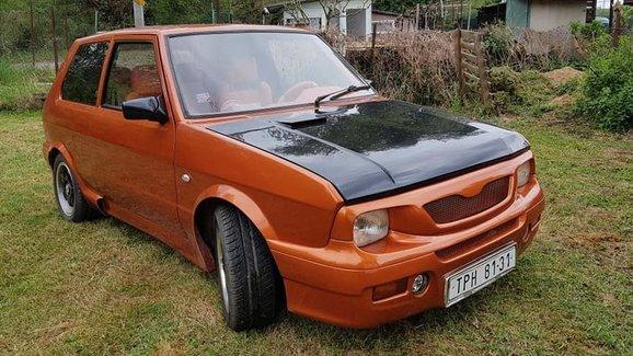 Už jste někdy viděli vytuněné Yugo? Tohle jezdí v Česku. A je na prodej